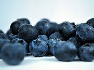 blueberries are high in antioxidants